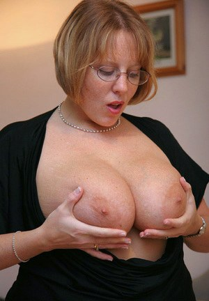 Big Tits and Glasses Pics
